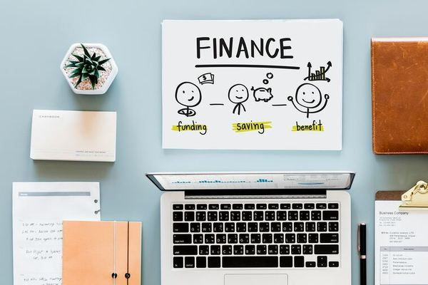 how_to_find_financial_advisor image with word finance